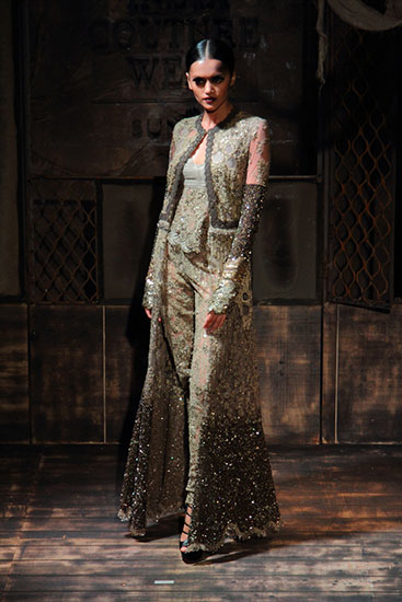 AICW15-Sabyasachi-The-Maharani-Diaries-copy-40