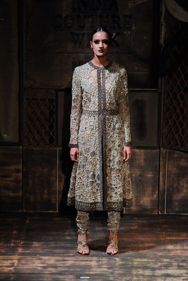 AICW15-Sabyasachi-The-Maharani-Diaries-copy-41