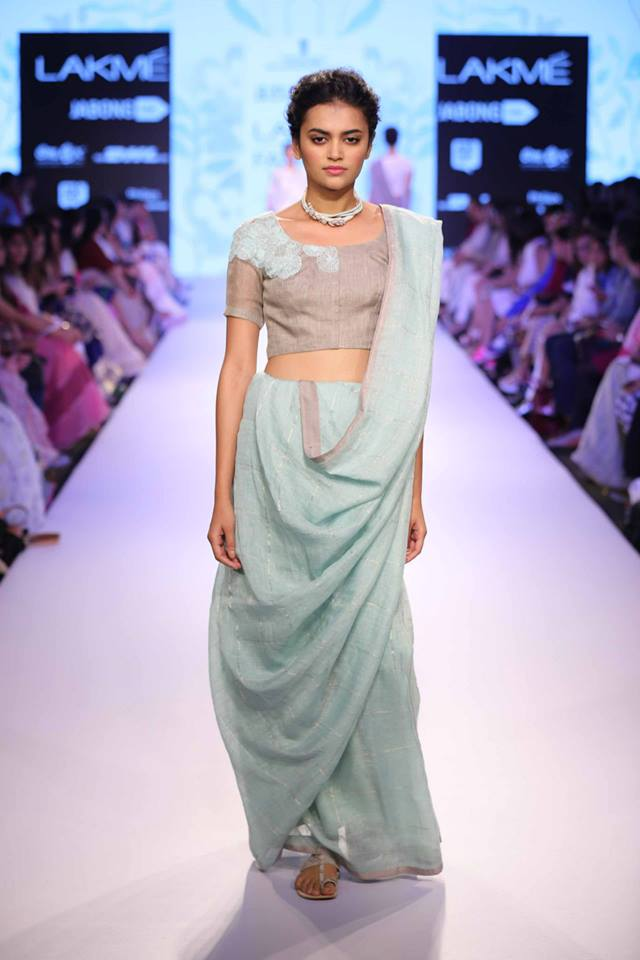 Anavila-Misra-LFW-Soft-Linen-Sari-The-Maharani-Diaries