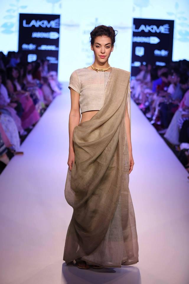 Anavila-Misra-LFWSS15-The-Maharani-Diaries