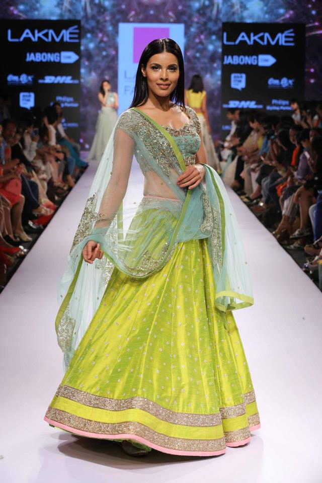 Anushree-Reddy-LFWSS15-collection-The-Maharani-Diaries