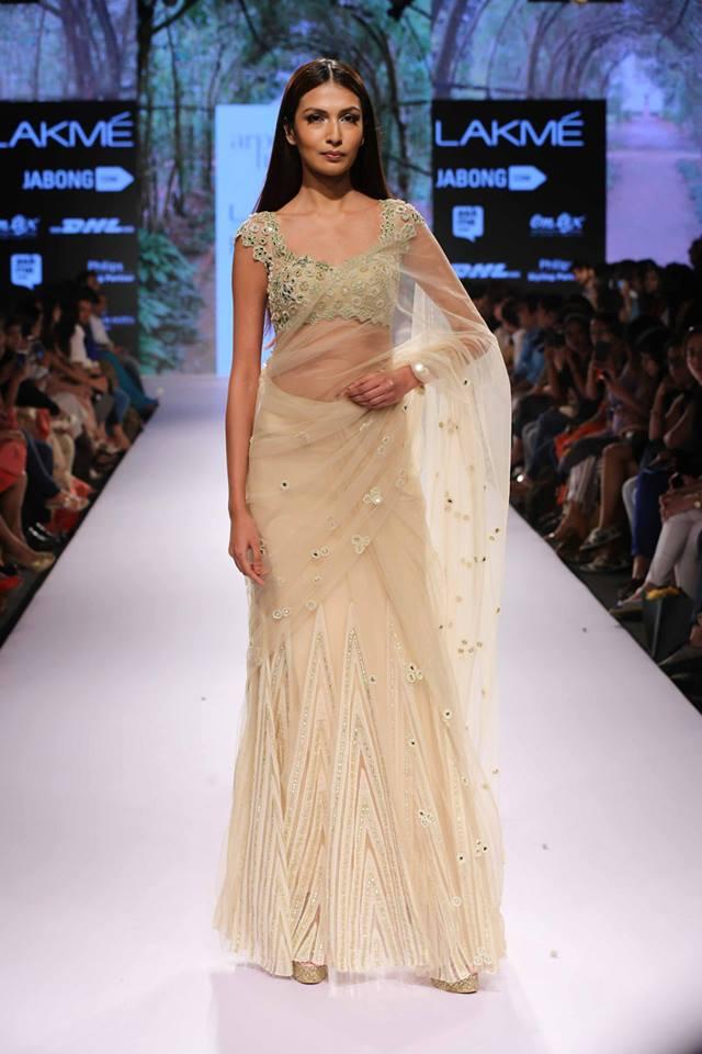 Arpita-Mehta-LFWSS15-Sari-The-Maharani-Diaries