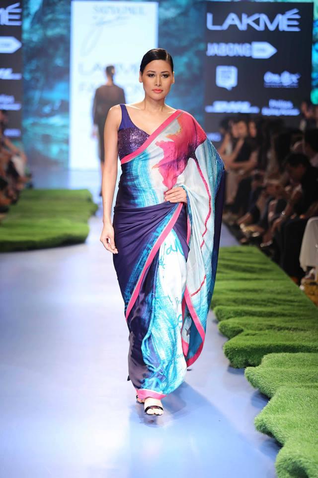 Gauri-Khan-for-Satya-Paul-LFWSS15-Tropical-The-Maharani-Diaries