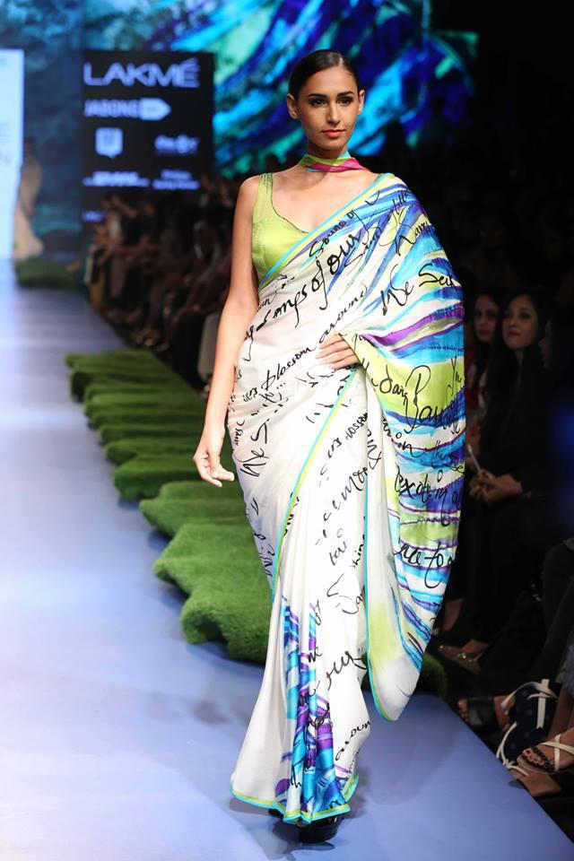 Gauri-Khan-for-Satya-Paul-LFWSS15-Tropical-Wonder-The-Maharani-Diaries