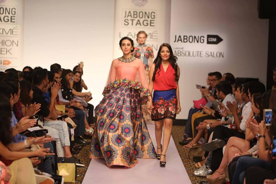 Neha Agarwal - Karisma Kapoor - LFWSS15 | The Maharani Diaries