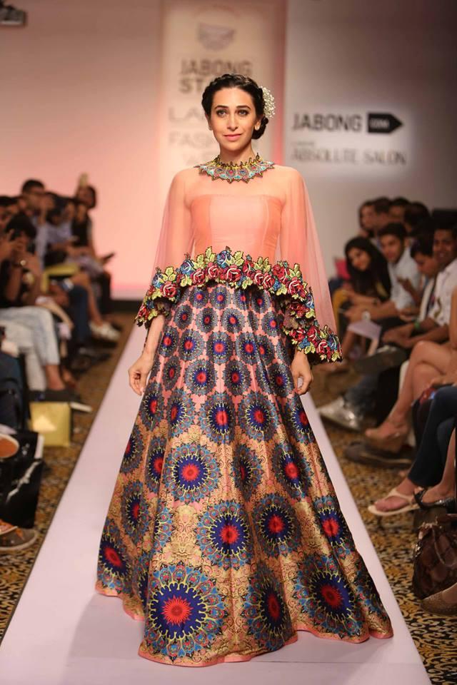 Neha-Agarwal-LFWSS15-Karishma-Kapoor-The-Maharani-Diaries