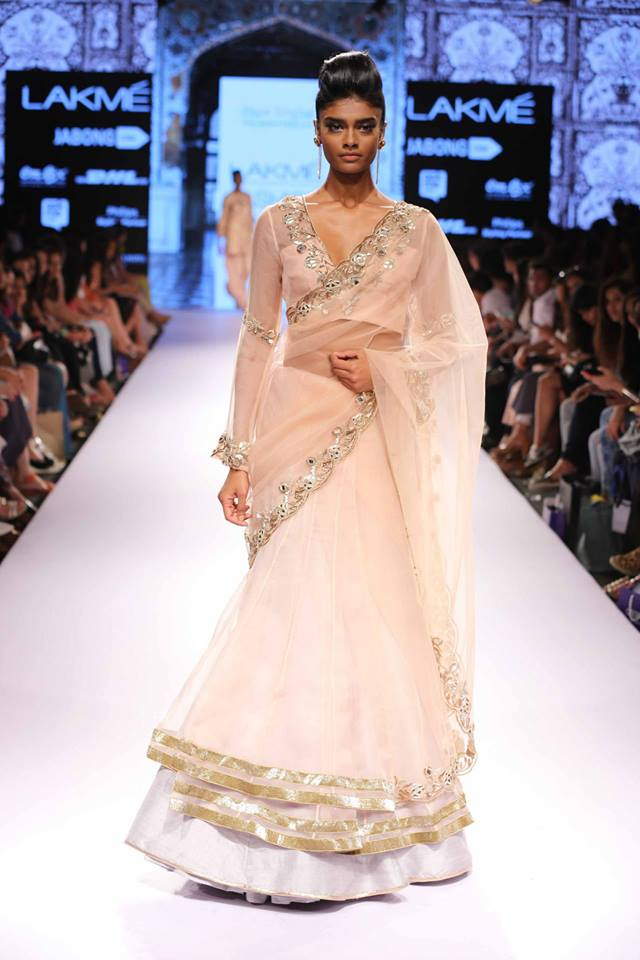 Payal-Singhal-LFWSS15-collection-The-Maharani-Diaries