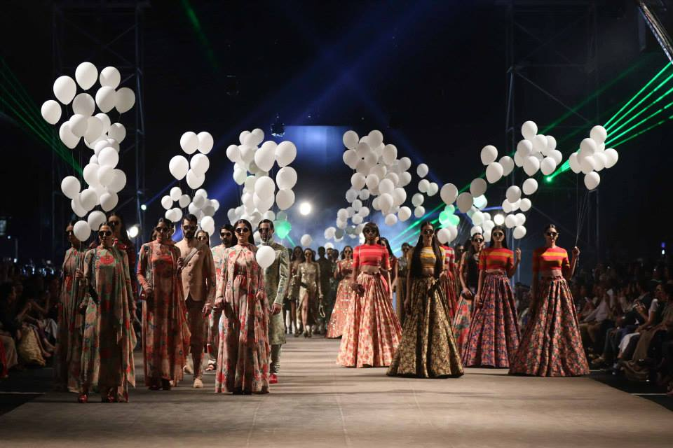 Sabyasachi LFWSS15 | The Maharani Diaries