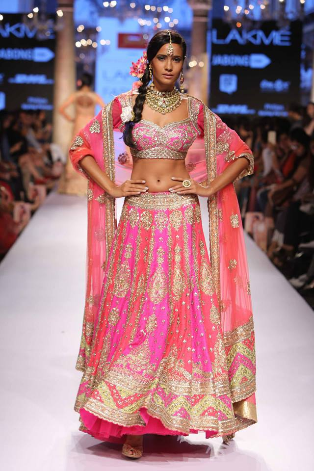 Suneet-Varma-LFWSS15-The-Maharani-Diaries-copy-3