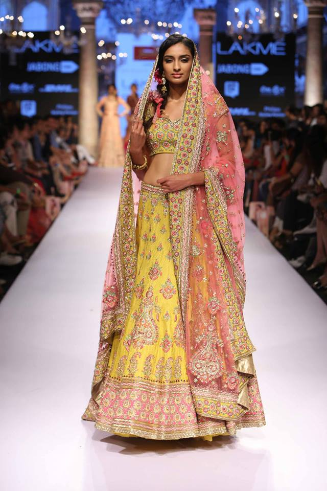 Suneet-Varma-LFWSS15-The-Maharani-Diaries-copy