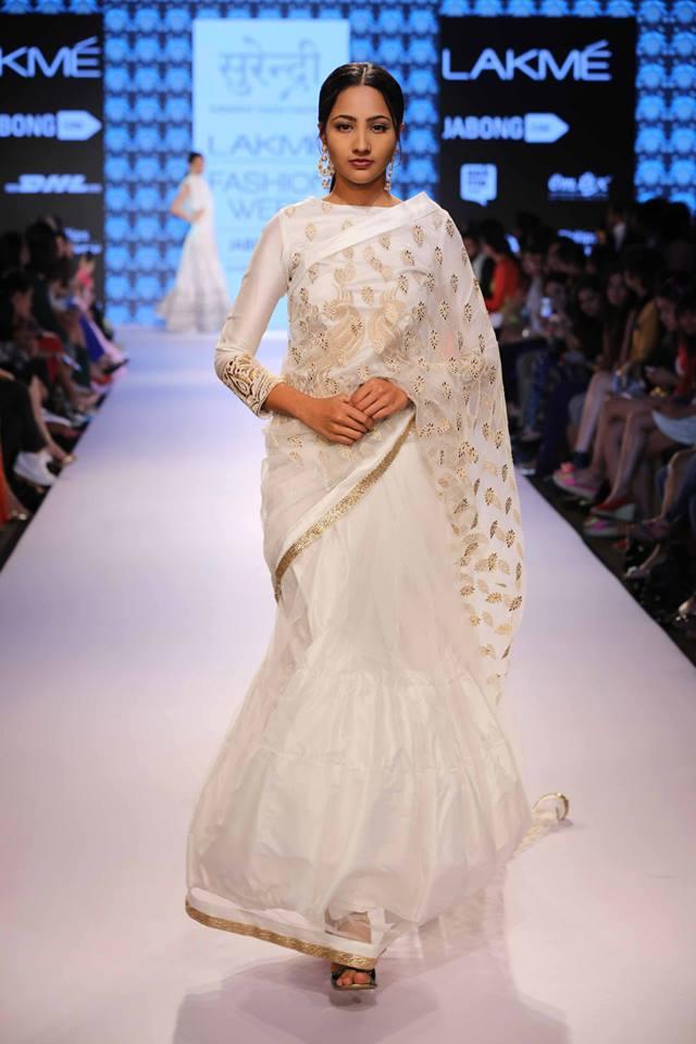 Yogesh-LFW-White-sari-lehenga-The-Maharani-Diaries