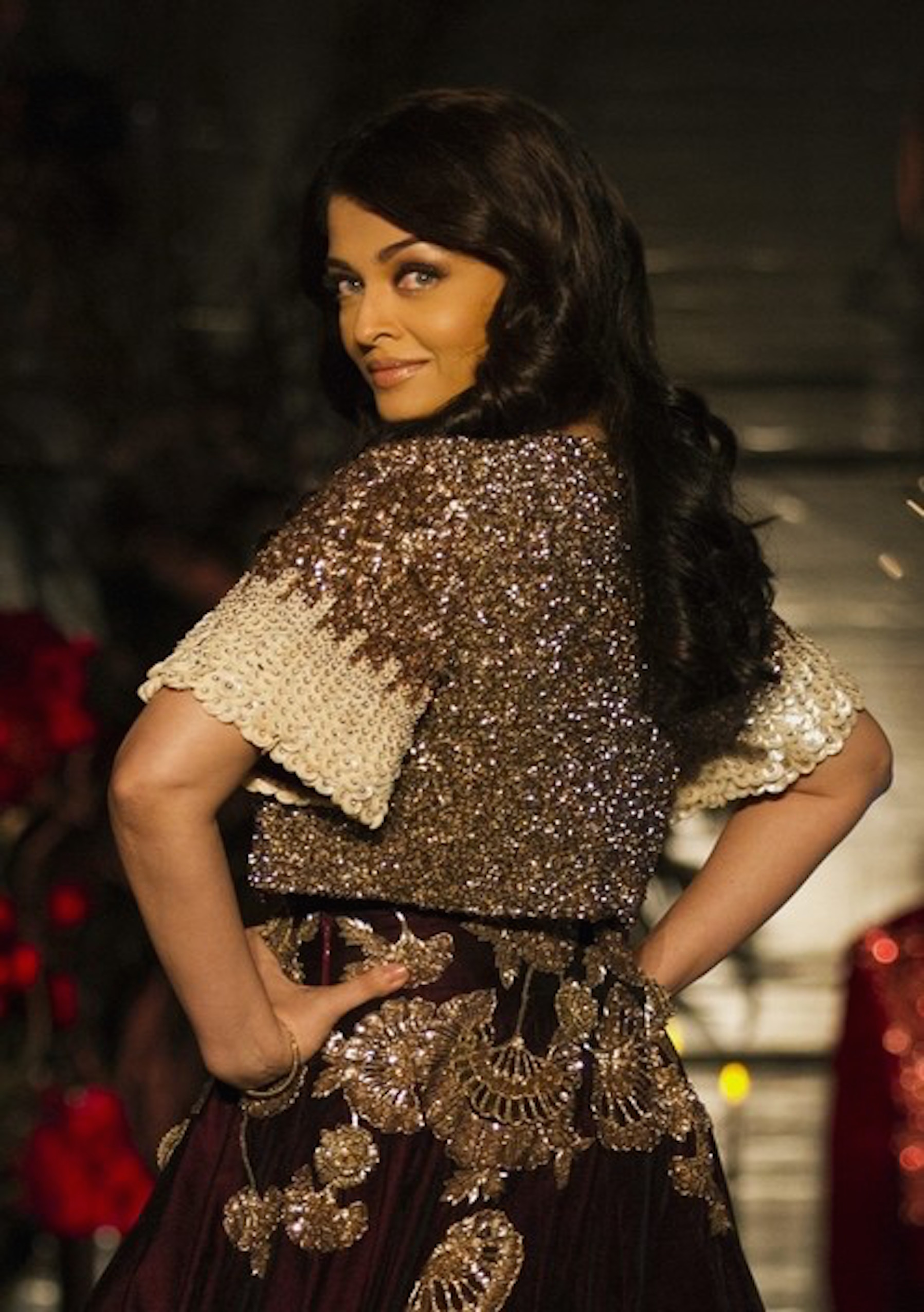 Aishwarya-Rai-AICW15-2-The-Maharani-Diaries
