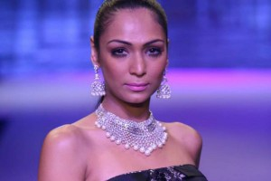 Yoube-Jewellery-IIJW-4-The-Maharani-Diaries-300x200