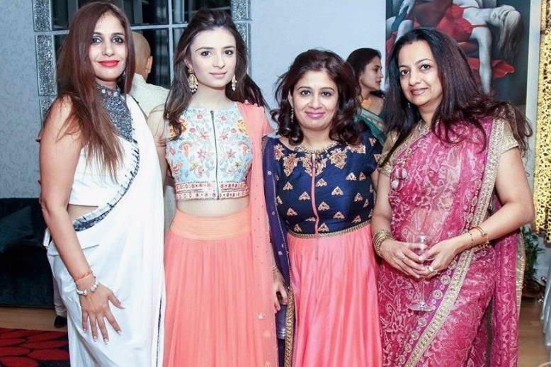 Manisha with happy customers