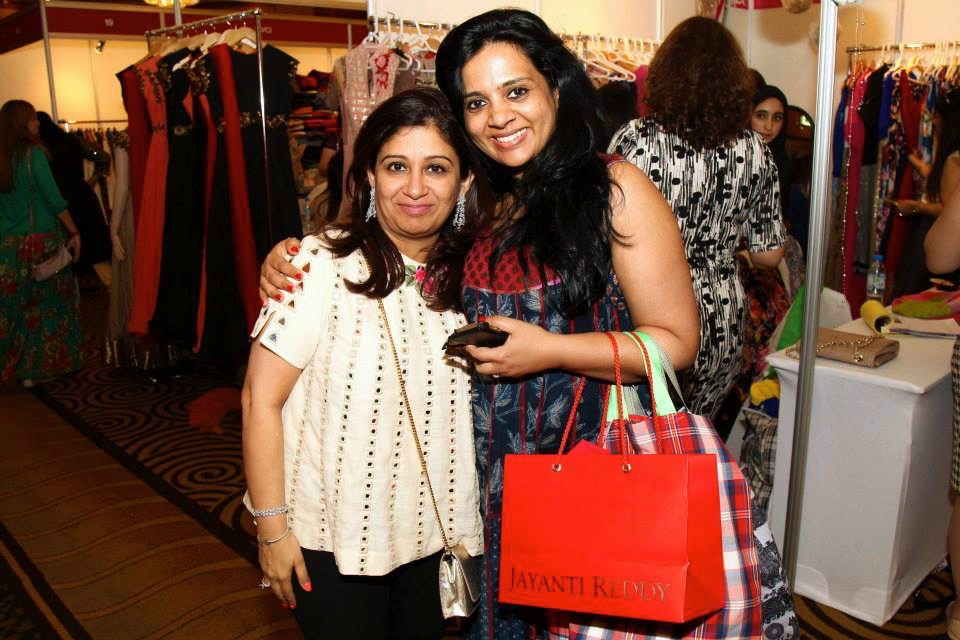 CEO, Manisha Kumar with a happy customer.